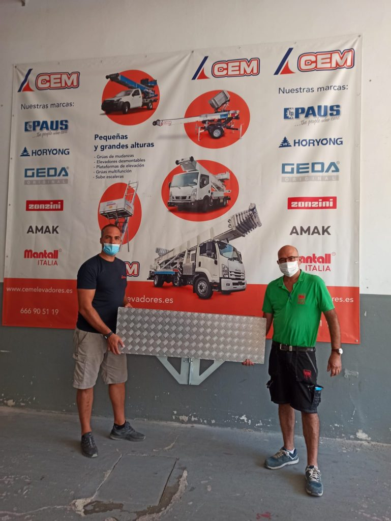 CEM entrega un compensador de fachada a Mudanzas DAVID