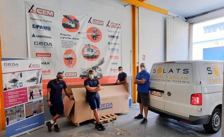 CEM Elevadores entrega un elevadores GEDA SolarLift a la firma valenciana Solats