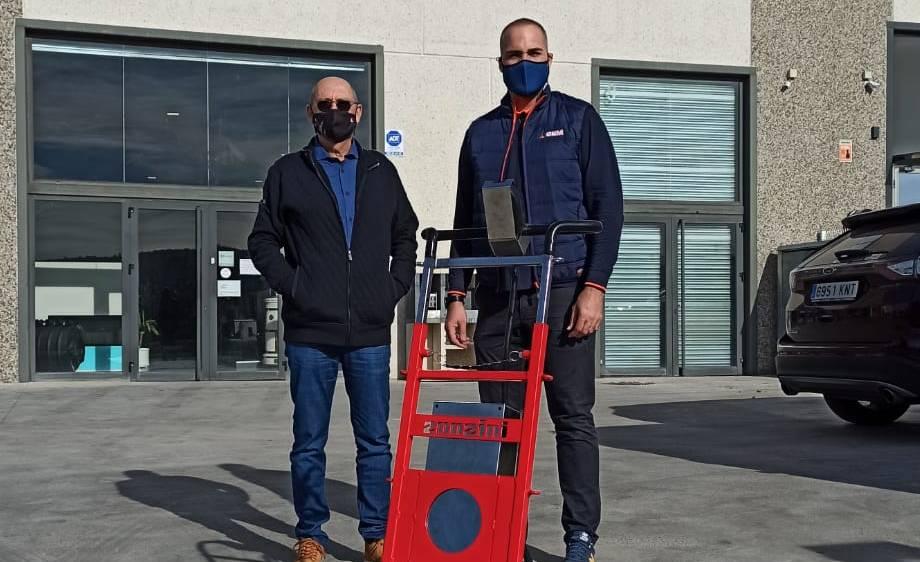 CEM entrega un sube escaleras Domino Automatic a la empresa Bosch Marín en Barcelona