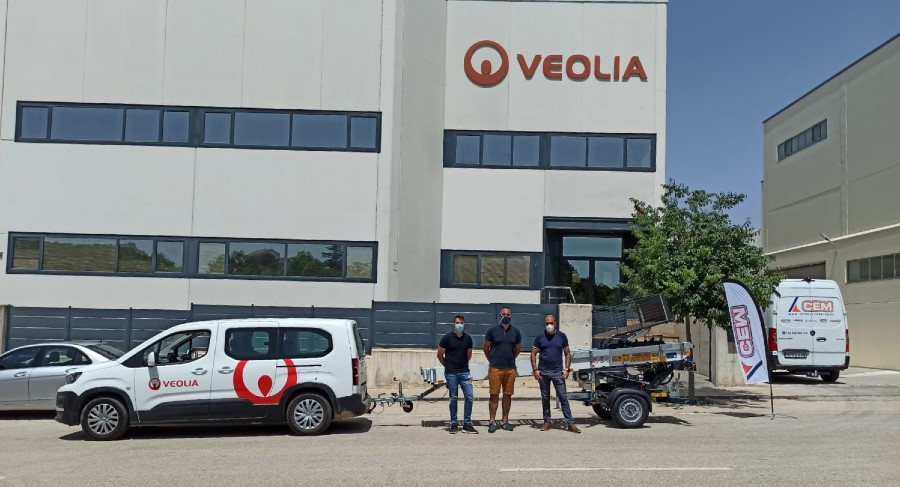 CEM entrega el primer PAUS Easy 18 SOLARLIFT vendido en España a la empresa VEOLIA